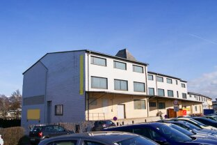 Großzügige und vielseitige Flächen zentral in Knittelfeld. - Für Lager, Großhandel, Vereinslokale und mehr. - Verschiedene Größen vorhanden.