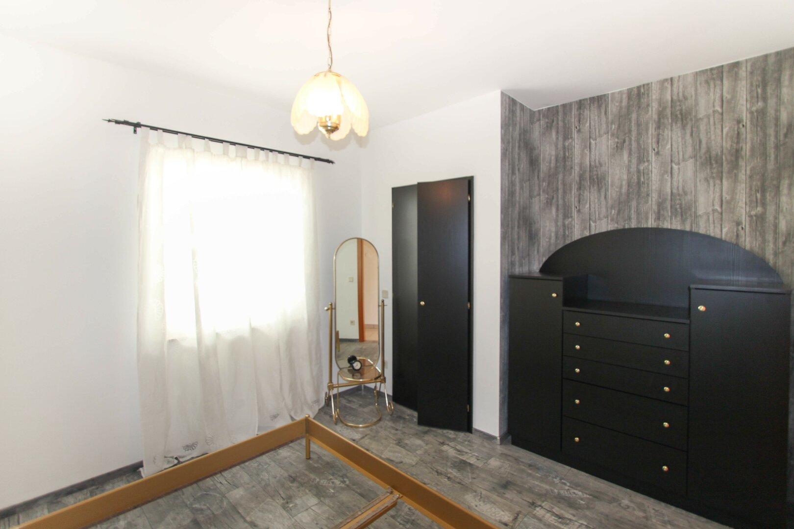 Schlafzimmer 1 Top 1