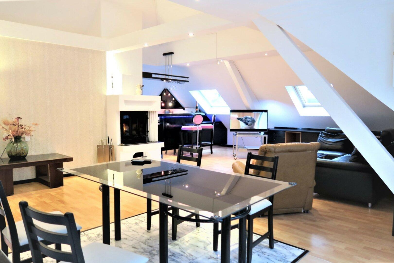 großer Wohnküchenbereich
