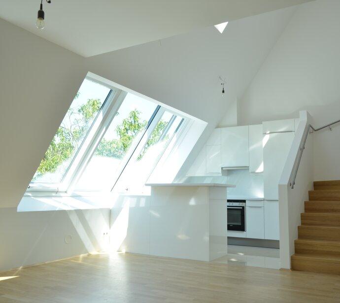 Topausgestattetes Dachgeschoss - Lichtdurchflutetes Architekten-Projekt