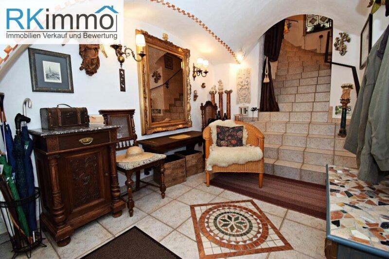 Landhaus mit mediterranen Flair in Ruhelage,  bestgepflegtes äußerst geschmackvolles Einfamilienhaus mit uneinsehbaren Garten /  / 2191Gaweinstal / Bild 1