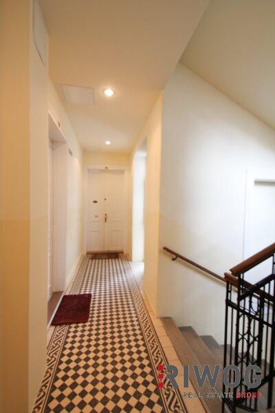 Möblierte 3 Zimmer ALTBAUWOHNUNG mit kleinem BALKON, schönes Haus, gute Lage /  / 1180Wien / Bild 3