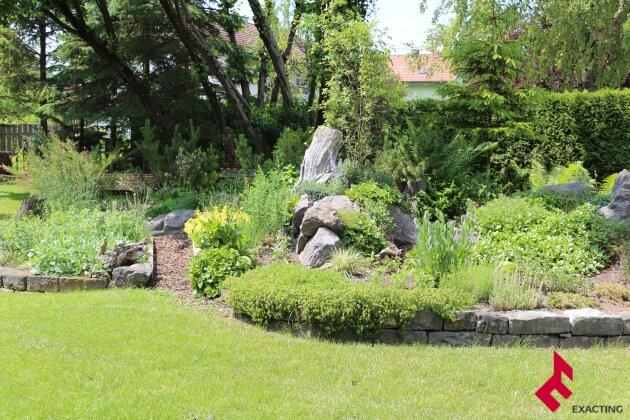 NEUER PREIS-Wohnhaus für 2 Familien mit schönem Garten