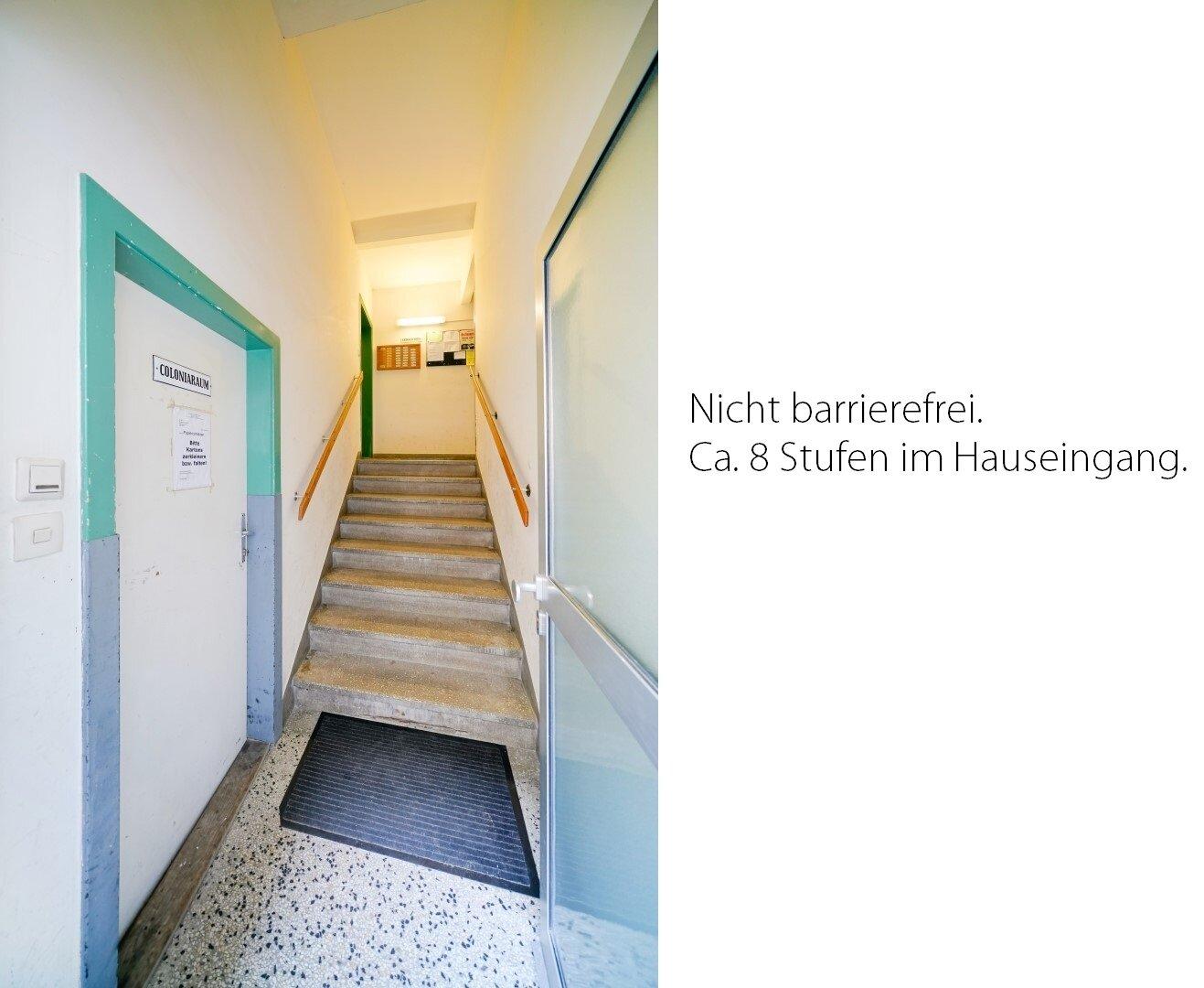 Eingangsbereich_Stufen zum Lift
