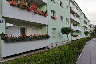 Erstbezug nach Renovierung - 3 Zimmer & Balkon