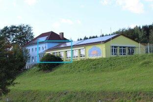 REIHENHAUS 2 MITTE ...Aus ehemaliger Schule werden drei Reihenhäuser in unverbaubarer Aussicht+Ruhe-Lage