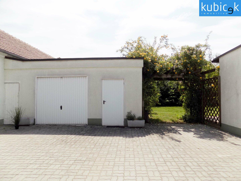 Hof-Garage