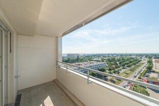 Hoch hinaus! Moderne 3 Zimmer Wohnung mit Loggia inklusive Fernblick in der 10. Etage // ERSTBEZUG