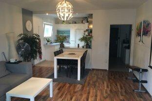 Tolle 4 Zimmer Wohnung mit Loggia und Einbauküche!!!