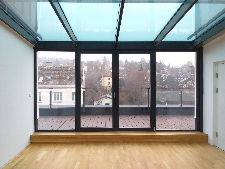 Glasfront Dachterrasse Richtung Westen