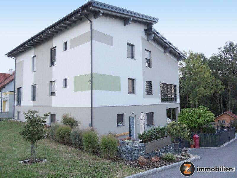 Top moderne Niedrigenergie-Doppelhaushälfte!