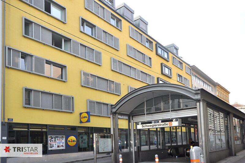 ++NEU++ 3-Zimmer-Dachgeschoßwohnung mit großer Dachterrasse im Generalrevitalisierte Altbau-Haus ++Nähe U-Bahn (U3) +++ /  / 1150Wien / Bild 15
