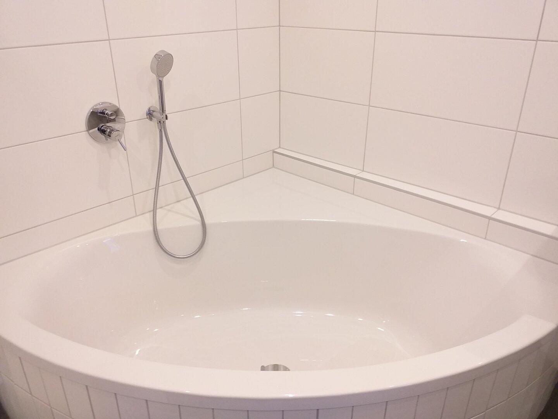 Großzügige Badewanne