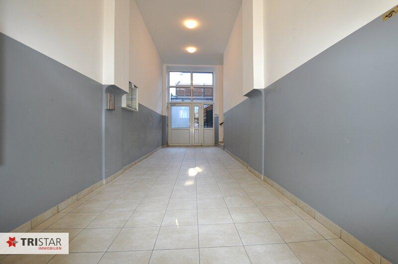 ++NEU++ 3-Zimmer-Dachgeschoßwohnung mit großer Dachterrasse im Generalrevitalisierte Altbau-Haus ++Nähe U-Bahn (U3) +++ /  / 1150Wien / Bild 5