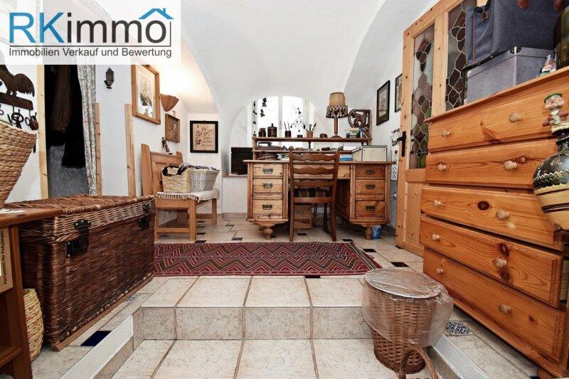 Landhaus mit mediterranen Flair in Ruhelage,  bestgepflegtes äußerst geschmackvolles Einfamilienhaus mit uneinsehbaren Garten /  / 2191Gaweinstal / Bild 3