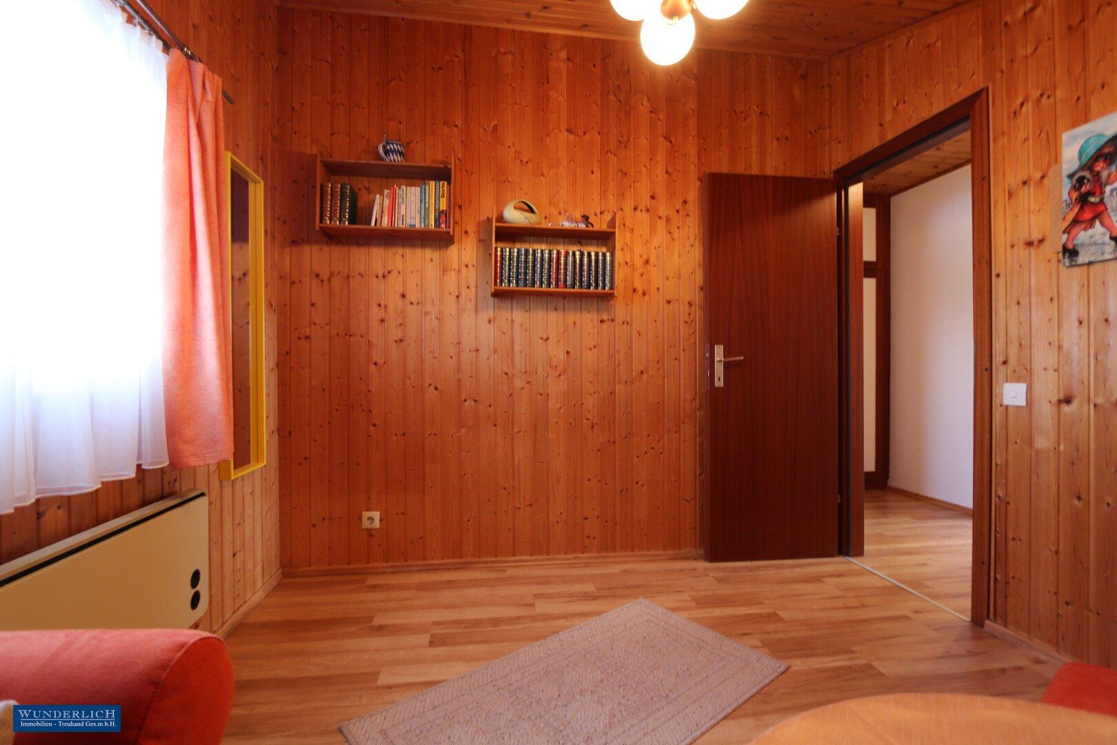 Gäste-/Kinderzimmer im Dachgeschoß