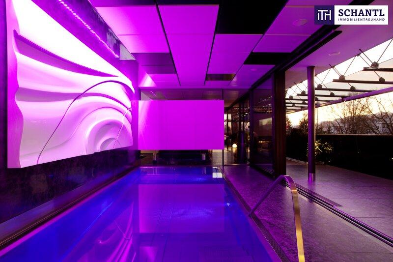 Stylisch im Designer LUXUS-Penthouse mit Panoramablick Wohnen!   Riesige Terrassen + Indoor Pool + Sauna + Kamin + Ruhelage + drei tw. überbreite Tiefgaragenplätze uvm. in Graz!
