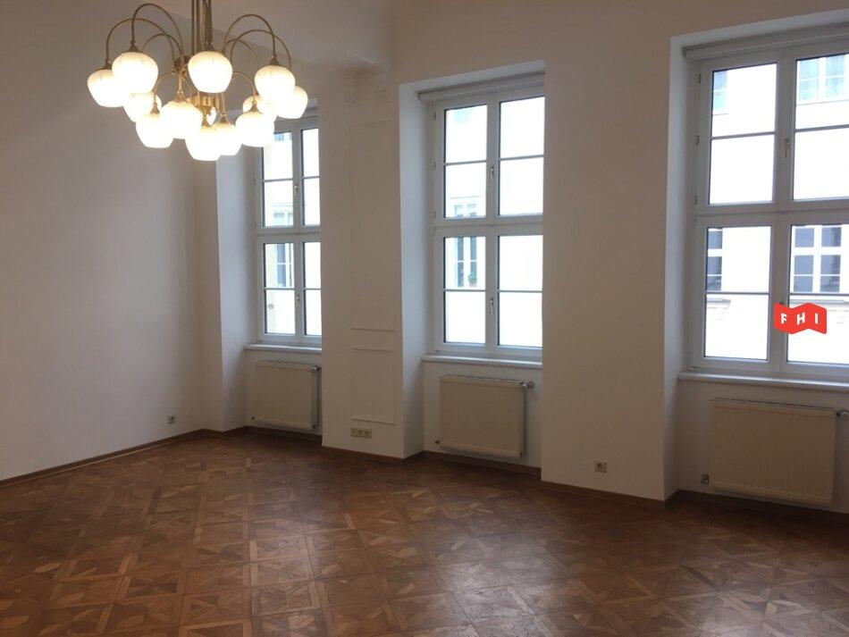 Unbefristetes Altbaubüro mit 3 Räumen