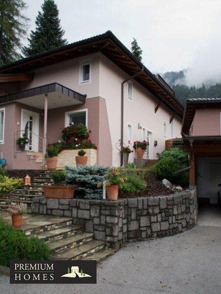 Kirchbichl Zweifamilienhaus_ hohe Qualität mit Modernen Design_Ansicht Süden mit Eingang