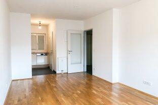 Top ausgestattete, sehr ruhige 2 Zimmer-Wohnung mit S/W Balkon