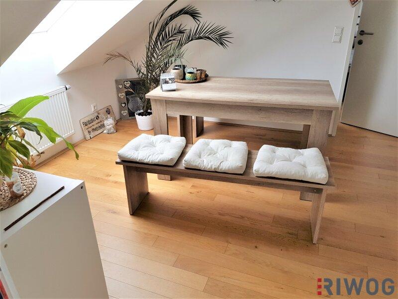 Kuschelige 2 Zimmer Dachgeschoss-Wohnung in der Bahnhofstrasse 38!