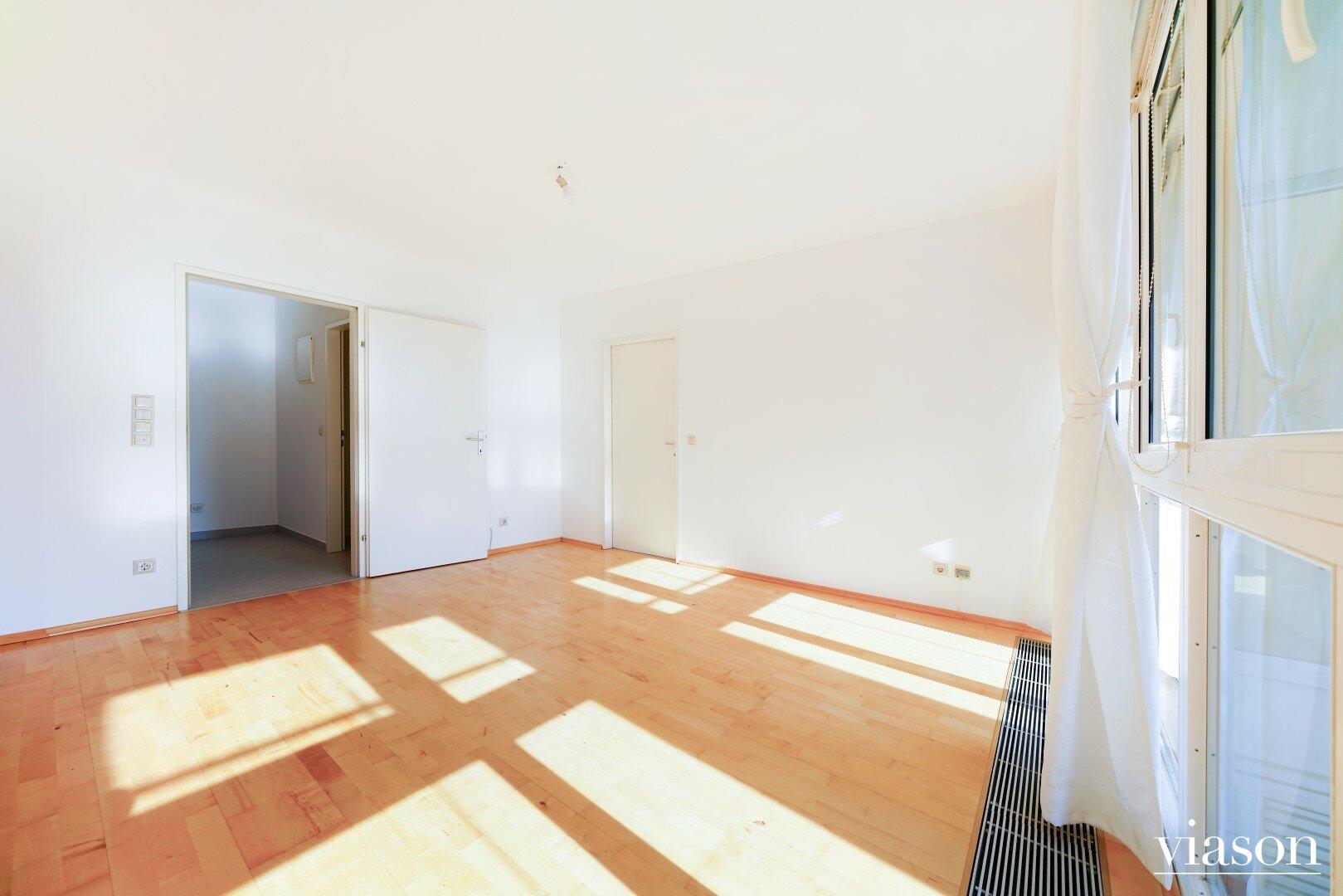 Wohnküche mit Blick zum Vorzimmer