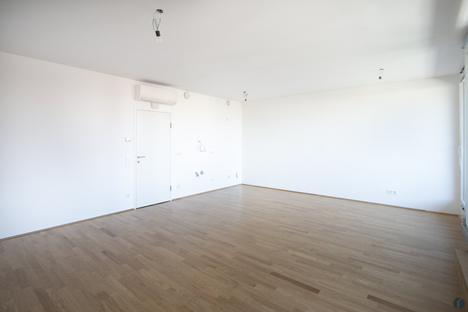 Wohn-Essraum mit Küchenbereich