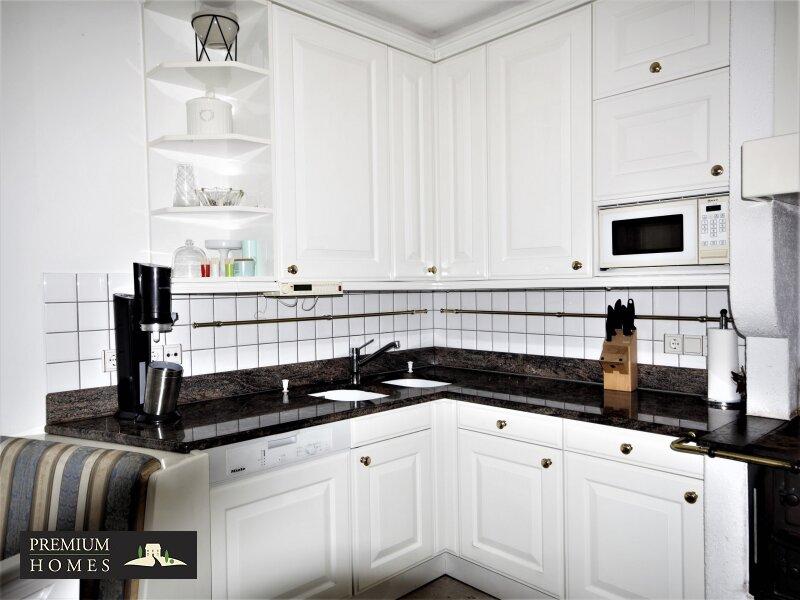 Breitenbach am Inn - Elegantes Landhaus - Küche sechsmal lackiert