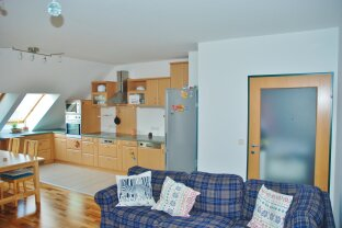 3 Zimmer - kleine Terrasse - Garage - zzgl. WBF