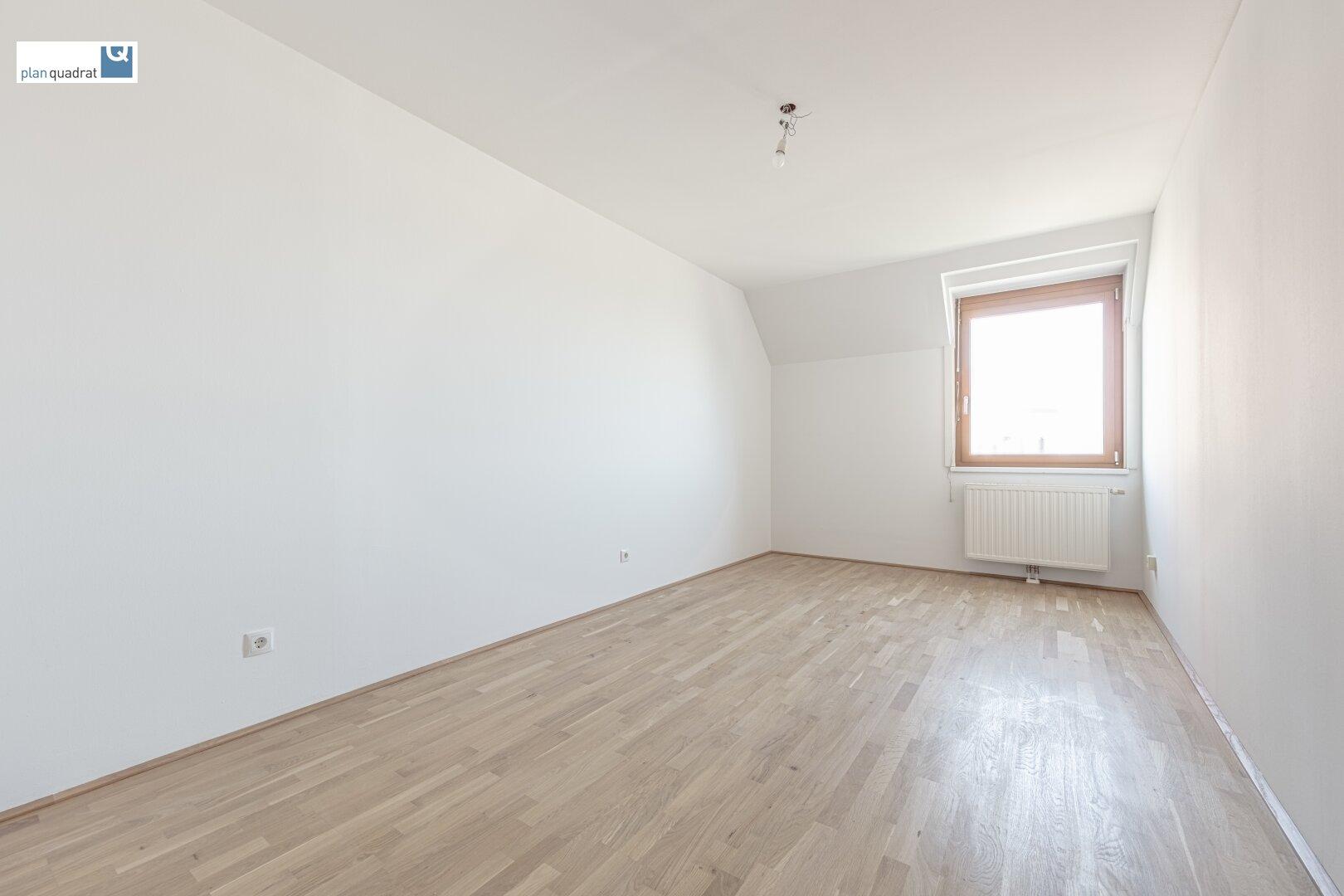 Zimmer 2 (ca. 16,30 m²) auf Wohnebene 1