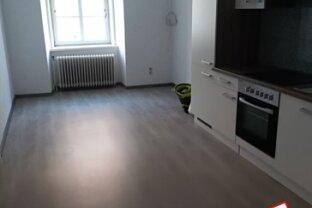 Erfolgreich vermietet: Baden Fußgängerzone: 2-Zimmer Hauptmiete mit NEUER Küche - unbefristeter Mietvertrag
