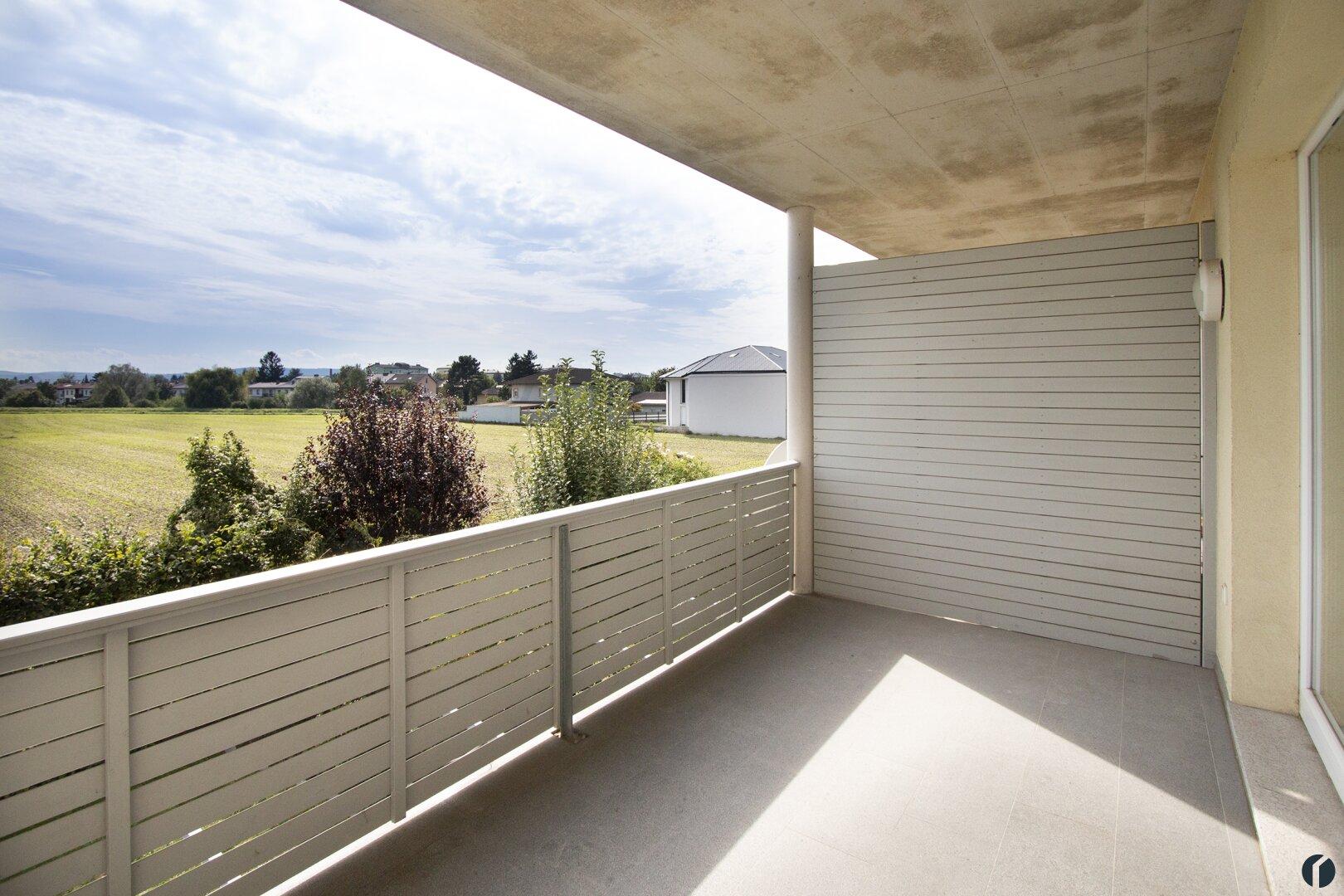Süd-Balkon mit Blick ins Grüne