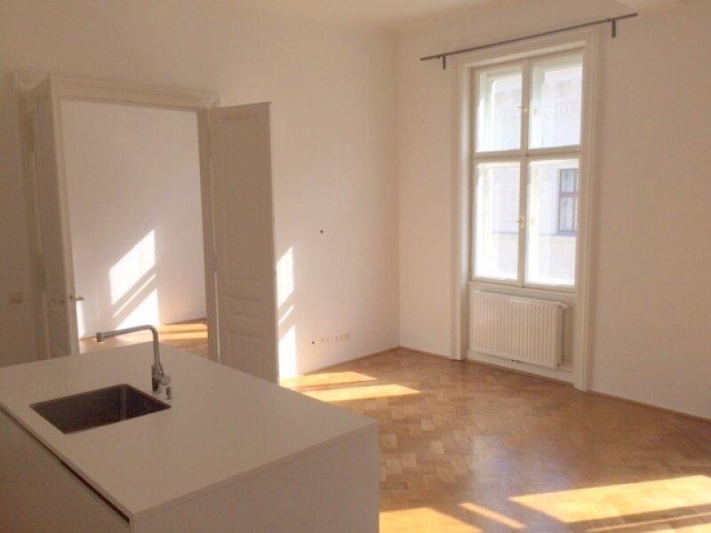 Helle 2 Zimmer- Altbauwohnung im Stadtzentrum, 70m², perfekte Infrastruktur, Burgtheater- und Rathausnähe, unbefristet