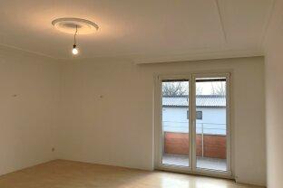 Wunderschöne 4 Zimmer Wohnung | Balkon | 2 Garagenplätze