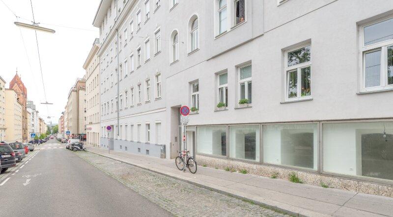 ++NEU++ Modernisierungsbedürftige 2-Zimmer Altbauwohnung, schönes Haus, viel Potenzial! /  / 1050Wien / Bild 0