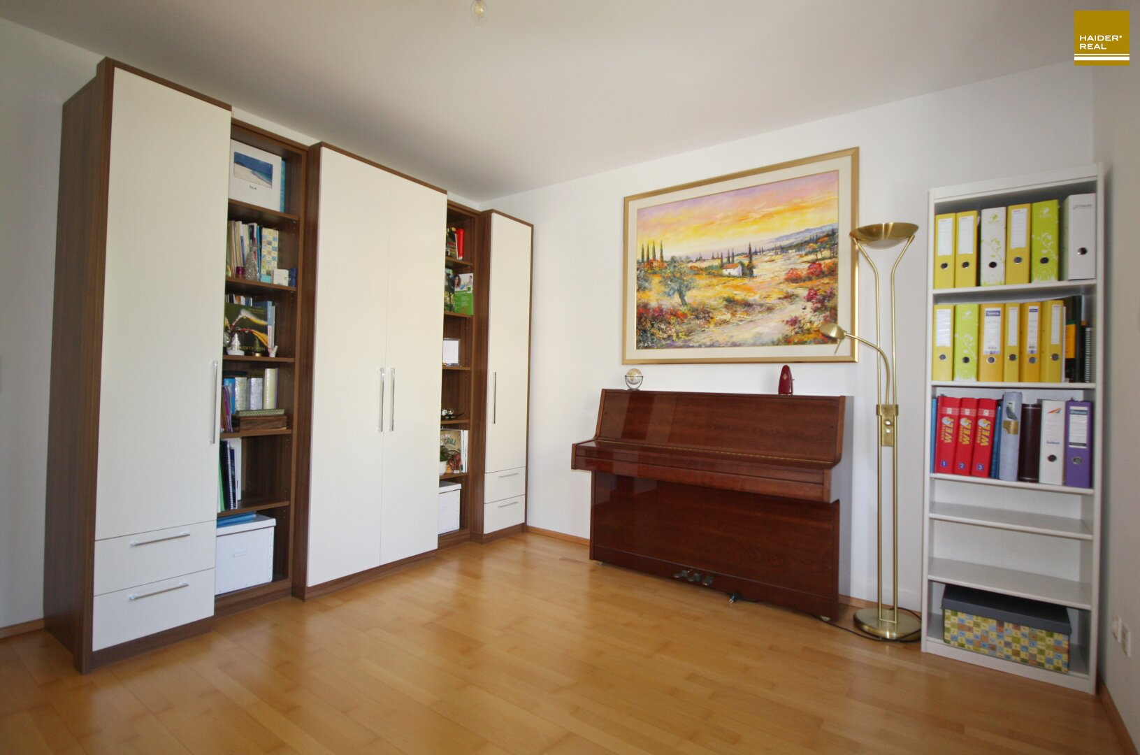 Weiteres Zimmer mit 13,7 m²