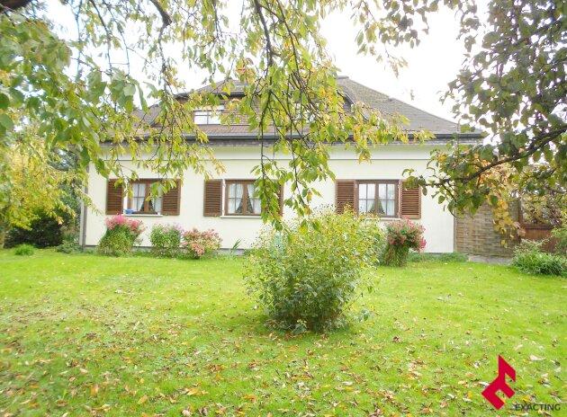 besonderes Wohnhaus mit großem Garten