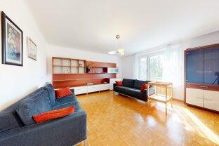 Gemütliche 3 Zimmer Wohnung auf 95 m²-U-Bahn Station Jägerstraße.