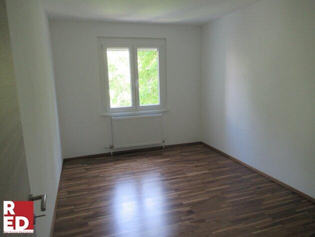 Generalsanierte Wohnung zum grünen Innenhof