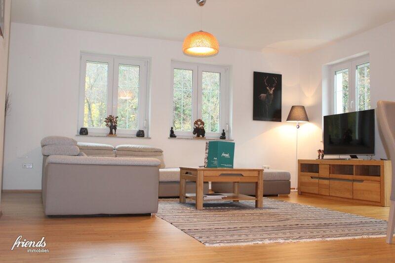 3 Zimmer - Wohnung mit 2 Balkonen in ruhiger Lage im exklusiven Wohnhaus mit viel Flair