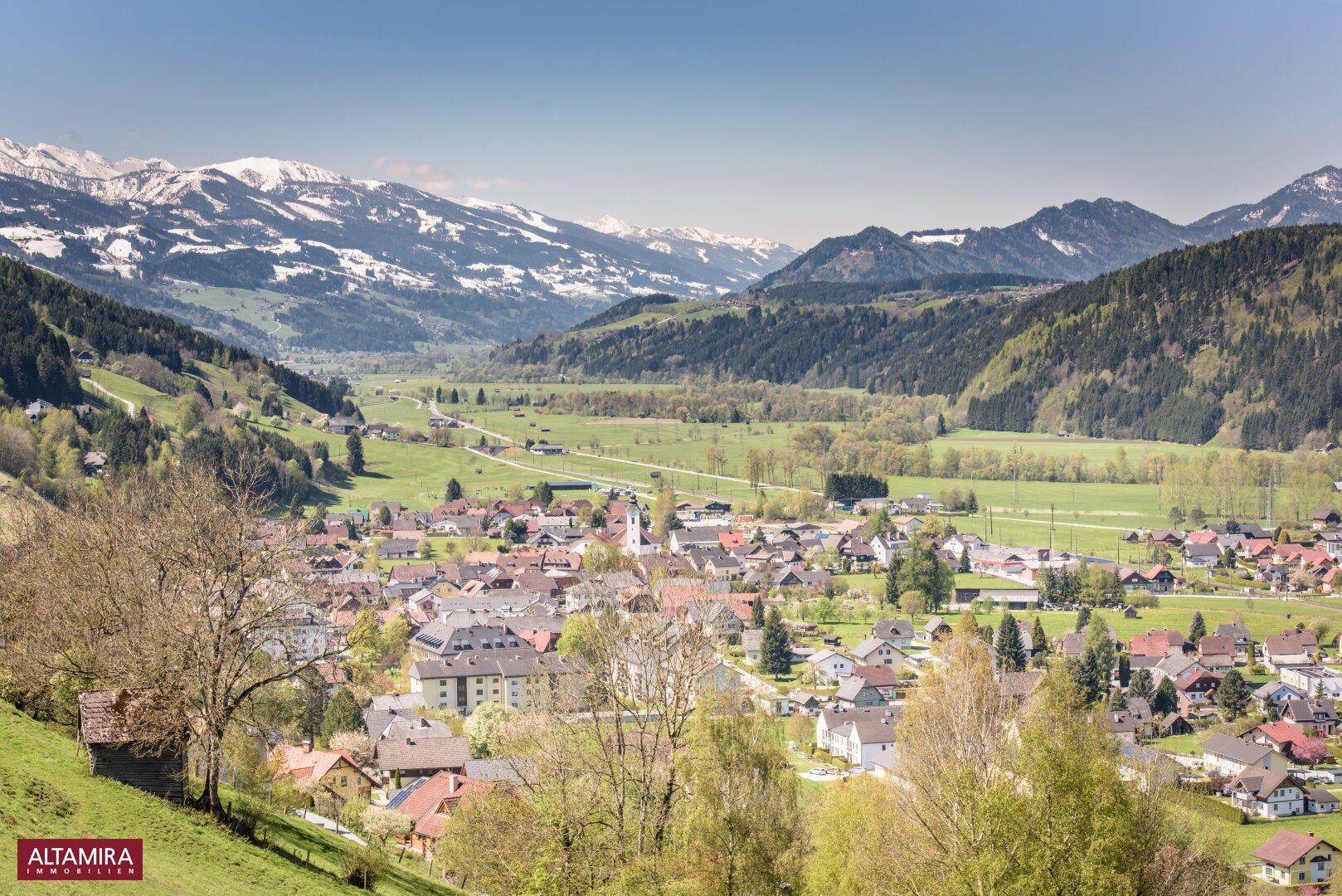 Öblarn mit Blick auf die Schladming-Dachstein Bergwelt