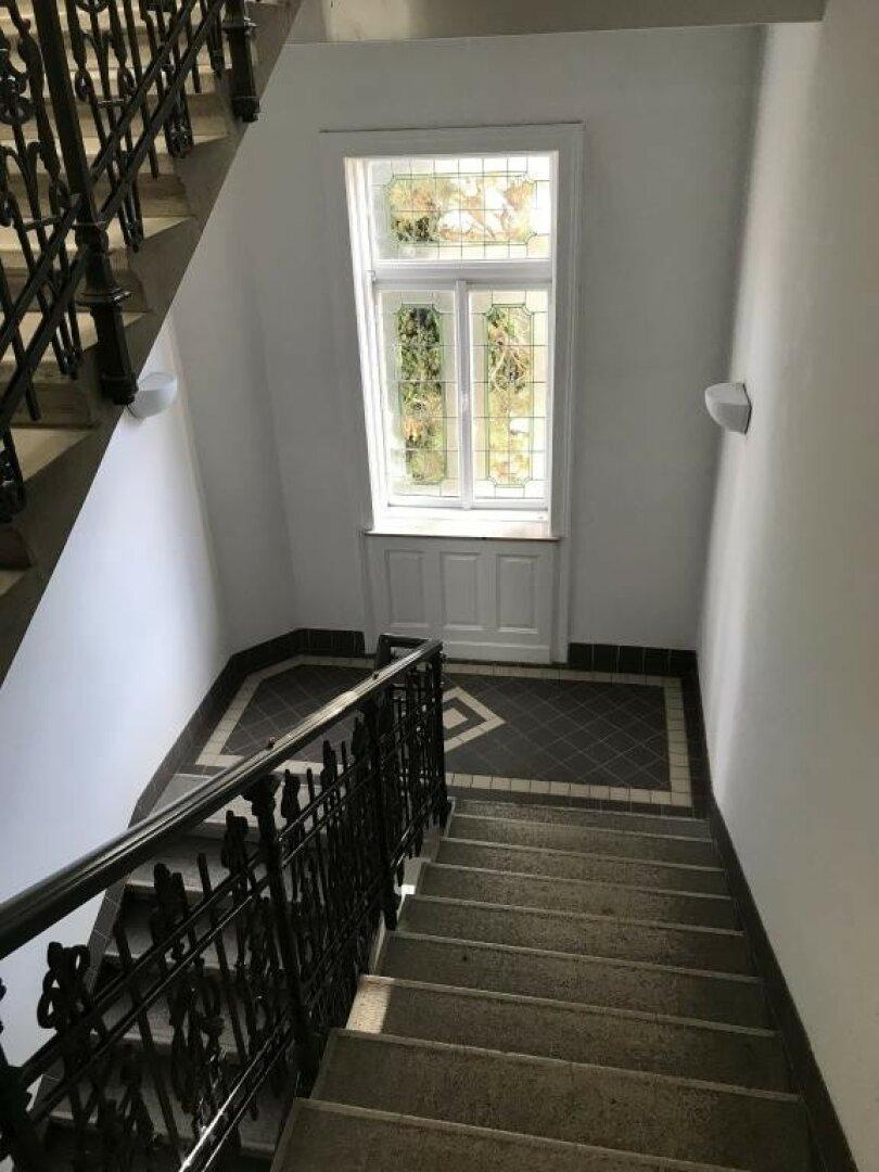 Edles, historisches Stiegenhaus ...