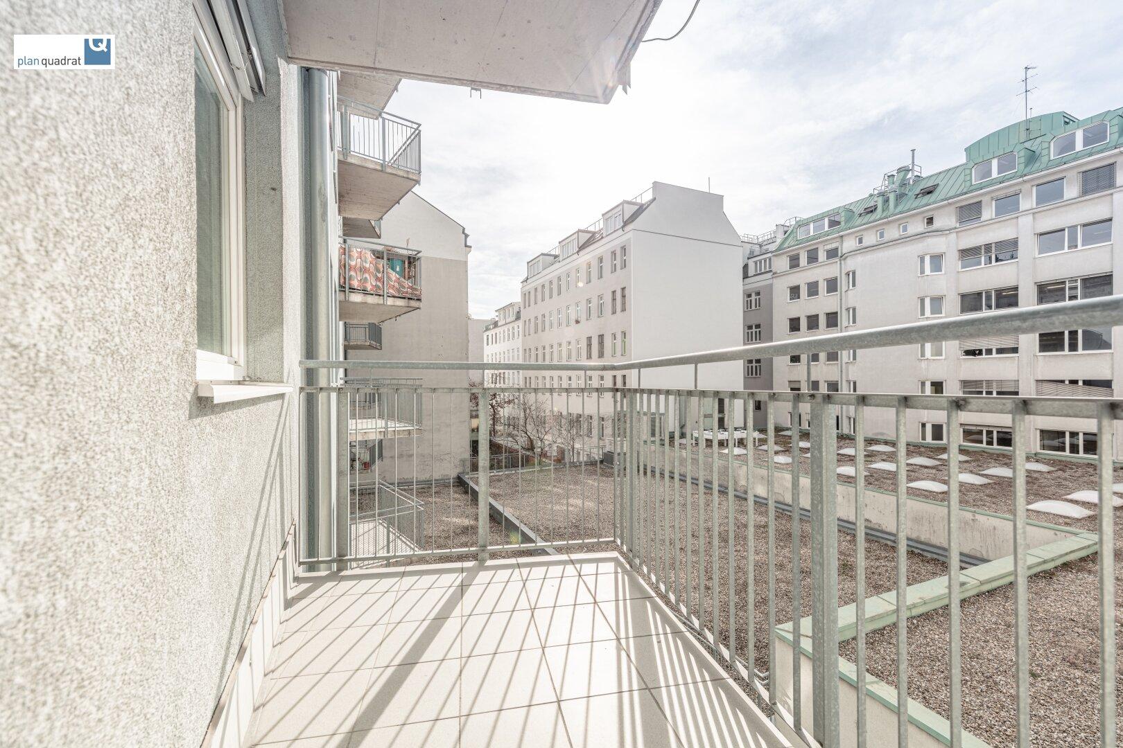 Balkon (ca. 4,80 m²)