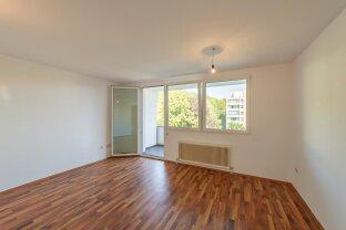 Zweiraum Büro mit separater Küche und schönem Balkon