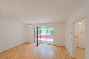 großzügige 2-Zimmer Wohnung mit eigener Terrasse in ruhigem Innenhof