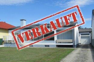 ERFOLGREICH VERMITTELT - Gediegenes Zweifamilienhaus mit viel Komfort!