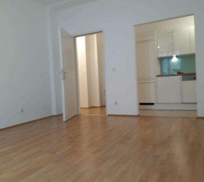 Sanierte 2-Zimmer-Altbauwohnung in sehr guter Lage des 4. Bezirks