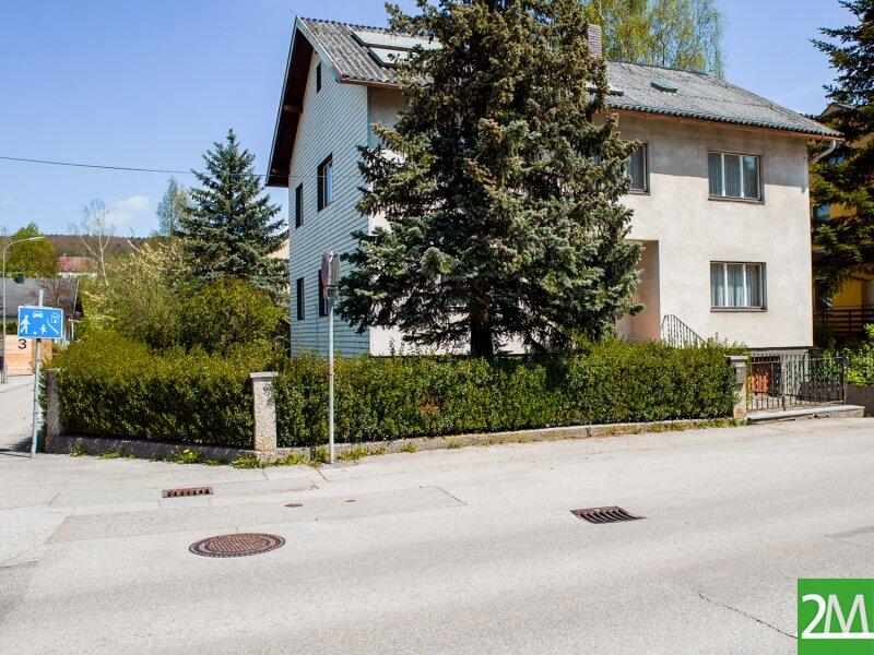 Geräumiges Einfamilienhaus nahe Stift Heiligenkreuz /  / 2532Heiligenkreuz im Wienerwald / Bild 1