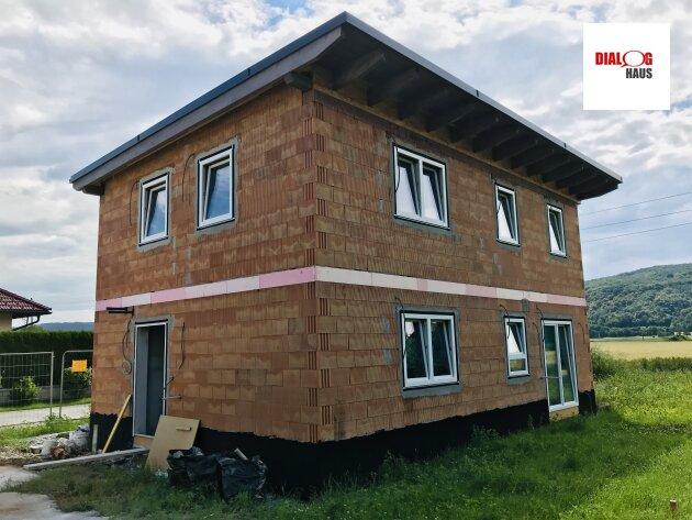 Großzügiges Wohnhaus errichtet in Zeiselmauer