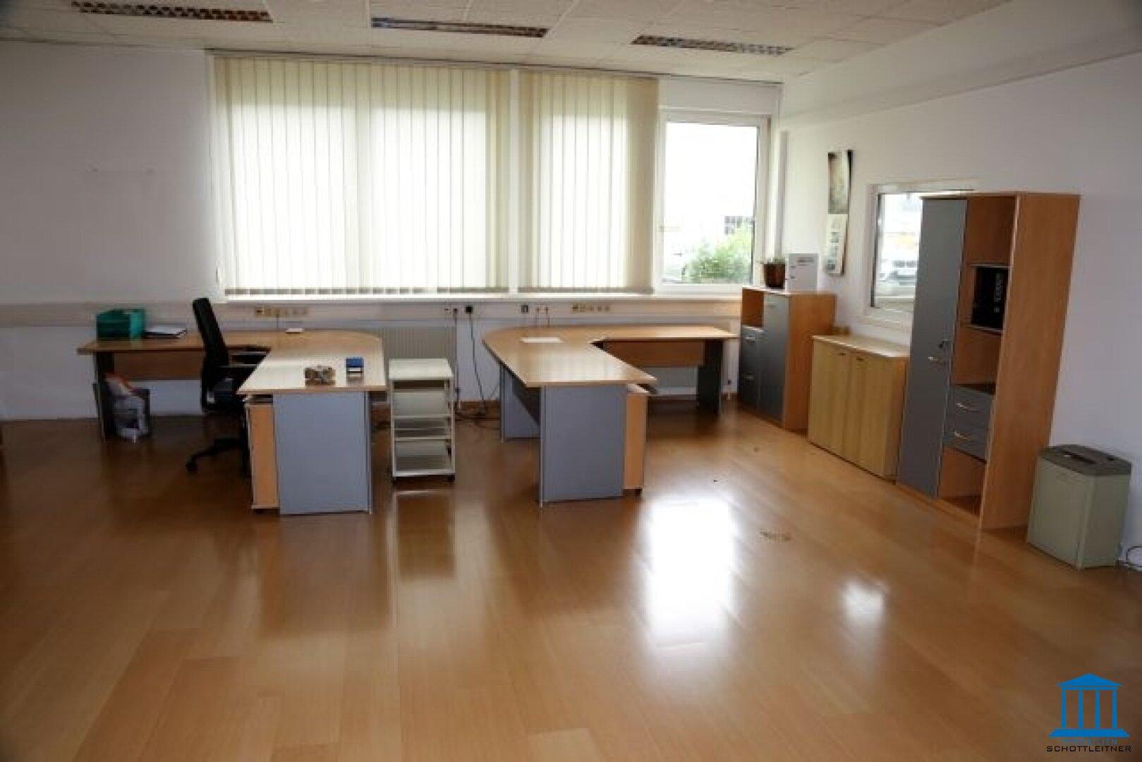 1632_Büro 03